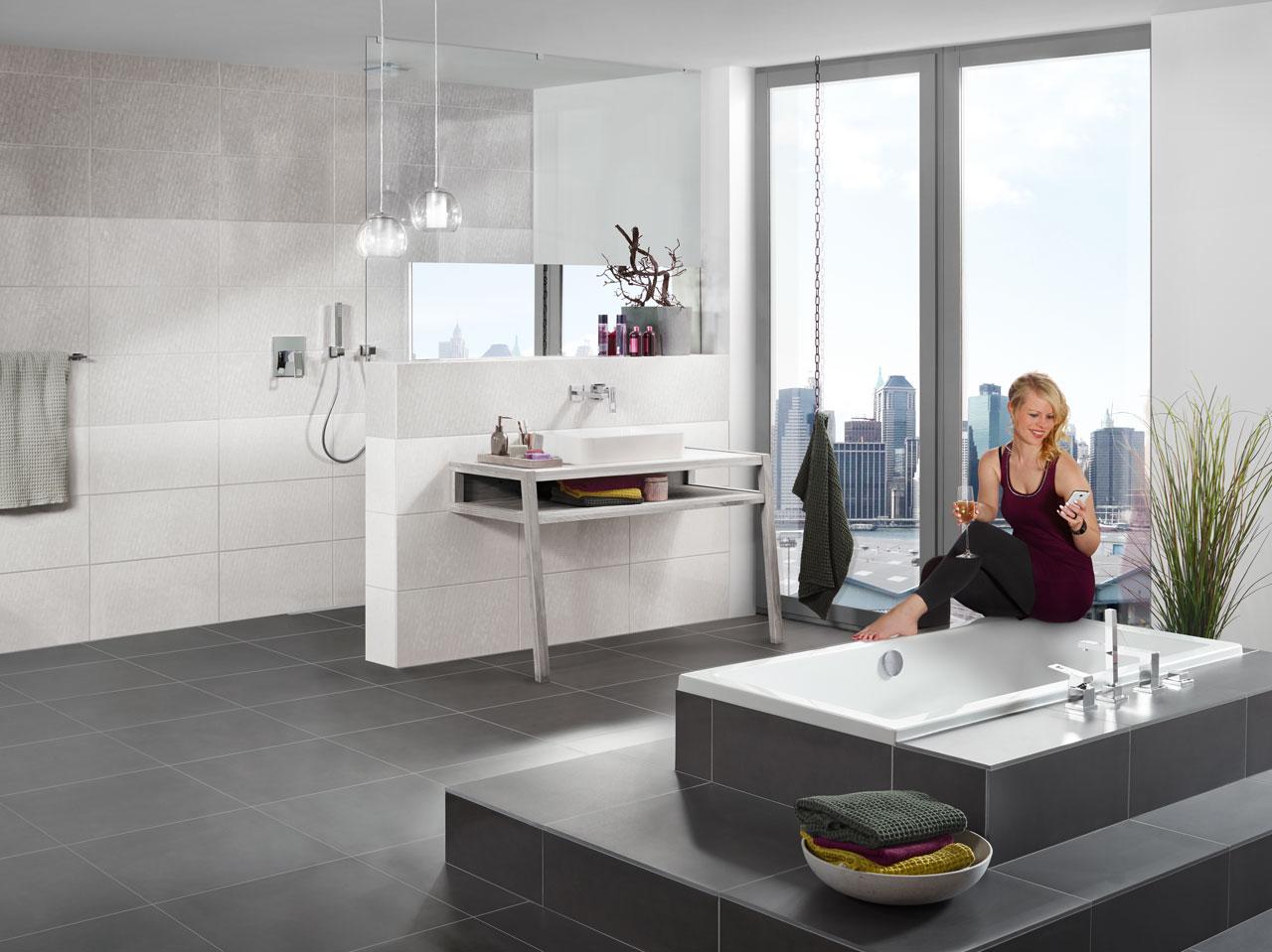 Farbgestaltung Bad Grau ~ Raum und Möbeldesign Inspiration